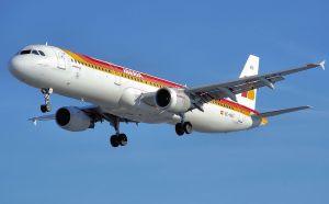 800px-Iberia_a321-200_ec-hui_arp